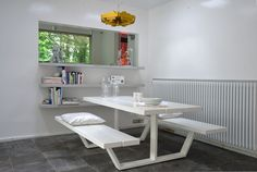 White lacquered cassecroute picnic table in iroko. 180cm.