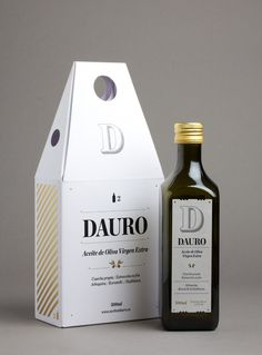 Dauro 2 by Lo Siento Studio. Great #oliveoil #packaging PD