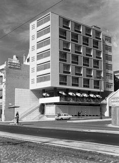 Hotel Residencial Infante Santo salvador de almeid San Salvador, Antique Photos, Old Photos, Hotel Victoria, Visit Portugal, Capital City, Portuguese, Modern Architecture, Deco