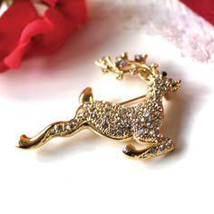 Brooch: Vintage Christmas Deer - Gold. £8.35