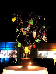Photo of a Jesse Tree by Robert Terrel: https://www.flickr.com/photos/ratterrell/76115168/