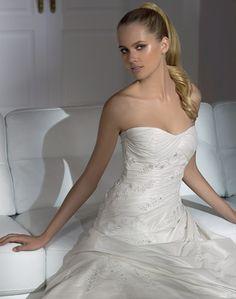 2eeab6f109 Hernani - Pronovias - Esküvői ruhák - Ananász Szalon - esküvői, menyasszonyi  és alkalmi ruhaszalon Budapesten