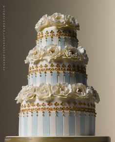 Peggy Porschen Cakes has a selection of Birthday cakes and cupcakes. Gorgeous Cakes, Pretty Cakes, Amazing Cakes, Cupcakes, Cupcake Cakes, Wedding Cake Designs, Wedding Cakes, White And Gold Wedding Cake, Blue Wedding