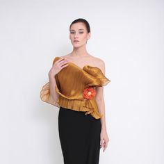 Ditta Sandico is a visionary fashion designer that embraces an ecological-friendly design and sustainable production process. Modern Filipiniana Dress, Shape Of You, Green Fashion, Curves, Ruffle Blouse, Vogue, Costumes, Elegant, Formal