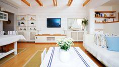 Interiér: Splněný skandinávský sen Decor, Furniture, Living Room, Bench, Home, Storage, Storage Bench, Home Decor