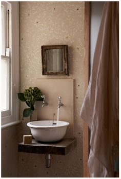 Bathroom Sink Stand Alone Half Baths 57 Super Ideas Downstairs Loo, Half Baths, Small Bathroom, Rustic Bathrooms, Design Bathroom, Bathroom Ideas, Home Staging, Bathroom Inspiration, Powder Room