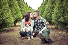 Christmas, tree farm, family, baby, picture