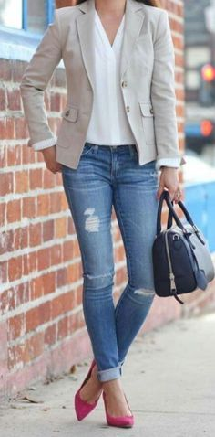 #blazer #jeans #weissebluse #pumps  Stylish Spring Work Outfit With A Blazer You Should Try