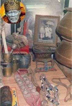 Shri Sai Baba used all these in his real life.all these items kept in museum. Sai Baba Pictures, God Pictures, Rare Pictures, Rare Photos, Ganesha Painting, Ganesha Art, Vidya Balan Hot, Saints Of India, Sai Baba Quotes