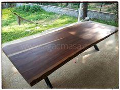 Maun doğal ahşap bahçe masası uygulamamız. Farklı ağaç cinslerinden kişiye özel ölçülerde üretilen doğal mobilyalarımızı incelemek için sizleri de mağazamıza bekliyoruz.