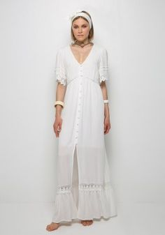 Μάξι φόρεμα με δαντέλα White Dress, Dresses, Fashion, Vestidos, Moda, Fashion Styles, Dress, Fashion Illustrations, Gown