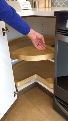 Kitchen Pantry Design, Diy Kitchen Storage, Modern Kitchen Design, Home Decor Kitchen, Interior Design Kitchen, Ikea Kitchen Inspiration, Kitchen Modular, Home Room Design, Lazy Susan