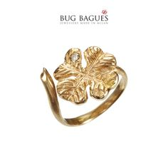 Bug Bagues is a collection of 'midi' rings, precious and beautifully crafted in gold 18 kt, diamonds, rubies and sapphires, small tiny insects and their home. Gold Toe Rings, Pink And Gold, Heart Ring, Diamond, Jewelry, Jewlery, Bijoux, Schmuck, Heart Rings