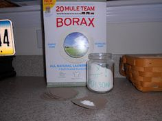 1 part Borax + 1 part powdered sugar = no bugs in my home! The sugar draws them in, the borax kills them. I put it in a fine line around the base of my house (outside) and on little cardboard rounds inside.I feel kind of guilty it worked so well. Diy Cleaning Products, Cleaning Solutions, Cleaning Hacks, Diy Hacks, Diy Cleaners, Cleaners Homemade, Roach Killer, Insecticide, Pest Control