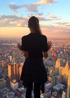 sssplendeur: New York City sssplendeur. - - sssplendeur: New York City sssplendeur.tumbl… … – sssple New York Places to stay using Warm: New York Trip, New York Mädchen, New York City Travel, New York Pictures, New York Photos, Chicago Photos, New York Photography, Photography Poses, Urban Photography