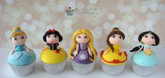 Kawaii Disney Princess Cupcakes made by The Clever Little Cupcake Company Fondant Toppers, Fondant Cupcakes, Cute Cupcakes, Cupcake Cookies, Ladybug Cupcakes, Kitty Cupcakes, Snowman Cupcakes, Giant Cupcakes, Cupcakes Princesas