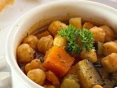Este potaje de garbanzos con calabaza está riquísimo ¡Y totalmente vegetariano! #RecetasVeganas #CocinaVegana #PotajeDeGarbanzosVegano #PotajeVegano #RecetasVegetarianas #CocinaVegetariana