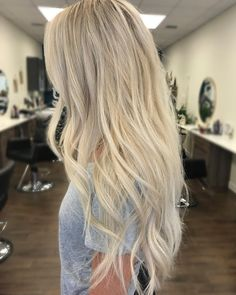 "Gefällt 649 Mal, 36 Kommentare - Gabrielle (@hairby_gabbs) auf Instagram: ""Cool blonde color melt #hair #balayage #balayageombre #balayagehighlights #colormelt #shadowroot…"""