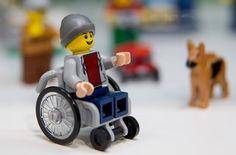 Coole Mütze, cooler Rolli: Diese Lego-Figur kommt im Juni auf den Markt Foto: dpa
