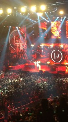 TØP was amazing, one of best concerts I've been to