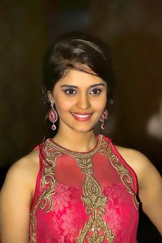 Surabhi is an Indian actress who predominantly seems in Telugu and Tamil films. Beautiful Bollywood Actress, Most Beautiful Indian Actress, Beautiful Actresses, Beauty Full Girl, Cute Beauty, Beautiful Girl Image, Simply Beautiful, India Beauty, Asian Beauty