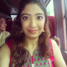 Browsing through the pics from the trip. Here a Bus #selfie. What you upto? I'm editing the next video + watching 2States #bollywood #me #indianyoutuber #indianvlogger #busride #travelogue #travel #fashion #style #makeup #vlog #Youtubeindia #roadtrip #delhi #mumbai #india #indianfashion #outfit #indianoutfit #youtube #youtuber #vlogger #instalove #love #instapopular #instadaily