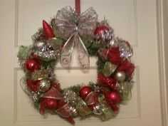 TRIED MY WREATH MAKING SKILLS OUT THIS IS WHAT I CAME UP WITH