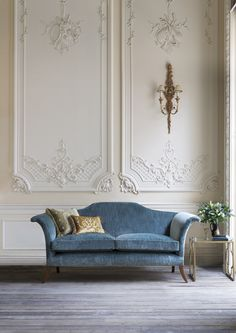 tyle and comfort combined in an unusual, classic yet contemporary design with strong, elegant lines. The Clarence's iconic shape owes much to the classic lines of Regency designer, Thomas Hope.