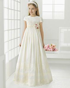 Aliexpress.com: Comprar 2016 primera comunión vestidos para las niñas satén del imperio del cordón redondo baratos vestidos niña para bodas chicas vestidos del desfile de vestido w fiable proveedores en Suzhou Allen Wedding Dress Co., Ltd.