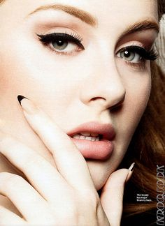 I love the way Adele does her makeup....beautiful and classic.