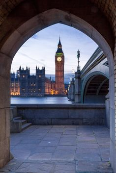 House of Parliament & Big Ben. London.-
