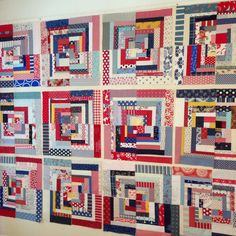Log cabins on the wall! #logcabinswapfun #ShowMeTheModa #sharing #quilt #quilts #quilting #patchwork #plan #aurifil