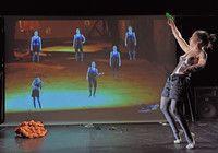 Inszenierung der Künste und Medien (M.A.)     Universität Hildesheim  Inszenierungen sind in sämtlichen kulturellen Bereichen gegenwärtig. Sie prägen unseren Alltag, sind in den Medien präsent, zeigen sich in der Politik und können zugleich als ausgewiesene künstlerische Verfahren gelten, die im Kino, im Theater, im Fernsehen und in Museen praktiziert werden. Man kann Inszenierungen als Zuschauer erleben oder sie als Möglichkeit nutzen, Kultur aktiv zu gestalten.     Das Studium will beides.