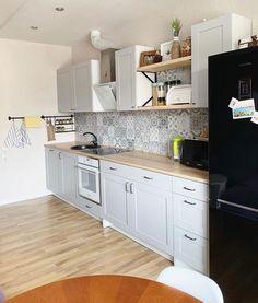 Ikea Kitchen Design, Ikea Kitchen Cabinets, Knoxhult Ikea, Grey Kitchens, Little Kitchen, Kitchen Sets, Kitchenette, Apartment Kitchen, Log Homes