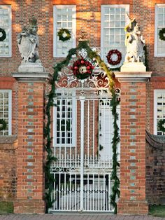 Governors's Palace ....christmas time
