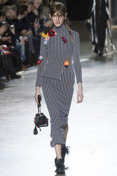 Christopher Kane Fall 2016 Ready-to-Wear Fashion Show