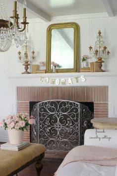 French Country Fridays- 5 simple charming mantel decor ideas - Simple charming mantel decorating ideas are always a good thing. And this week for French Country Fridays- it is all about mantel dec. Shabby Chic Fireplace, Summer Mantel, Fireplace Mantels, Mantle, French Country Cottage, French Antiques, Office Decor, Simple, Decor Ideas