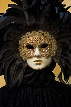 traditional Venetian feathered headpiece and mask - Venice Carnival Italy