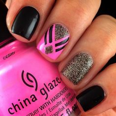 Fabulously elegant pink glitter nail art is shared during this footage . This fantastic nail art is beautified with black color designed straps. These stra Get Nails, Fancy Nails, Love Nails, Fabulous Nails, Gorgeous Nails, Pretty Nails, Nail Art Designs 2016, Cute Nail Designs, Minimalist Nails