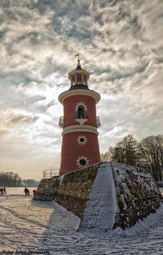 Leuchtturm Moritzburg by Robert Edlich, via 500px