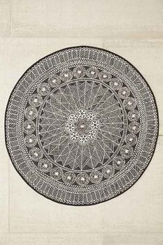 Florisse Printed Round Rug - Urban Outfitters