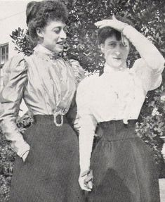 Princesses Victoria (Toria) and Maud of Wales, (daughters of King Edward VII and Alexandra of Denmark).