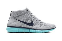The latest colorway for theNike Flyknit Chukka sees the shoe drenched in an all-over gray color, with a complementary aqua outsole that pops against the upper. The Flyknit Chukka is built with a pate...