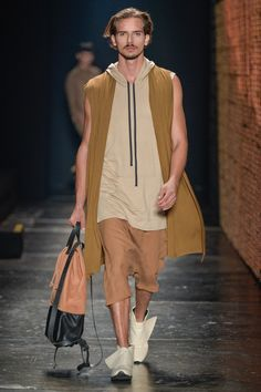 BRASIL S/S 17 | SPFW | RATIER | Neutral colors in a loose silhouette