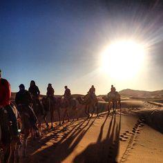 alba nel deserto Erg Chebbi escursioni a piedi e con dromedario Marocco