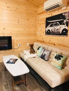 Never leave a #dog behind! And you don't have to when you bunk with us at our destinations. Pretty sure your four-legged pals will feel right at home.  📍Surf Cabin in Santa Ynez Valley — at Flying Flags RV Resort & Campground.