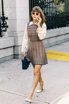 Fall Street Style Outfits to Inspire Herbst Street Style / Fashion Week Street Style Street Style Outfits, Looks Street Style, Autumn Street Style, Classy Street Style, New York Fashion Week Street Style, Street Outfit, Street Wear, Fashion 60s, Work Fashion
