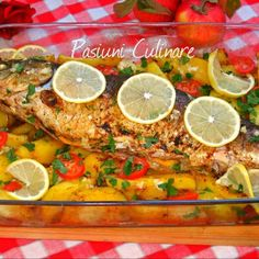 Pescado al horno http://www.rebanando.com/receta-48502-pescado-al-horno.htm