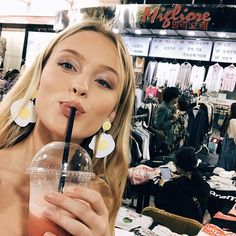 Dying of laughter! i love your earings! Zara Larsson, Talent Show, Female Singers, Celebrity Pictures, Celebrity Style, My Girl, Beautiful People, Beautiful Celebrities, Celebs