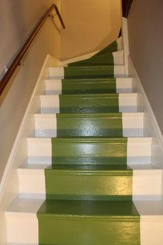 Painted stair risers painting wooden stairs ideas white and pink Painting Wooden Stairs, Painted Stairs, Staircase Painting, Wood Stairs, Painted Floors, House Painting, Diy Painting, Under Basement Stairs